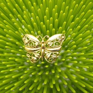 Jewelry - Vintage Gold Tone Butterfly Brooch